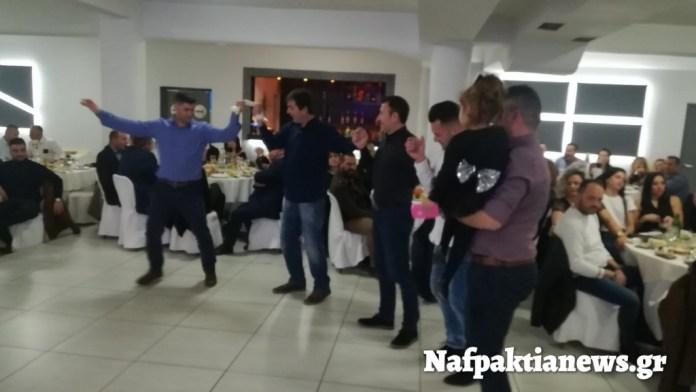 Το «έκαψαν» στο χορό της Πυροσβεστικής υπηρεσίας Ναυπάκτου (ΦΩΤΟ + VIDEO)