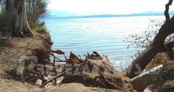"""Πρέβεζα: Η θάλασσα """"μπαίνει"""" στο Ψαθάκι – Μεγάλη η διάβρωση εδάφους (ΦΩΤΟ)"""