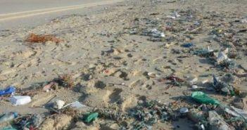 «Σκουπιδότοποι» οι παραλίες του Κορινθιακού! Γεμάτες Ναυπάκτου, Ψαθόπυργου, Αλυκής και Ακράτας