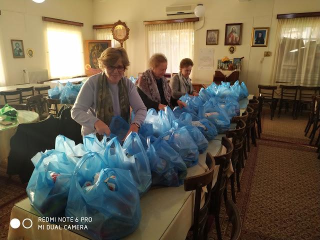Αγρίνιο: Διανομή τροφίμων από την Αγία Τριάδα (ΔΕΙΤΕ ΦΩΤΟ)