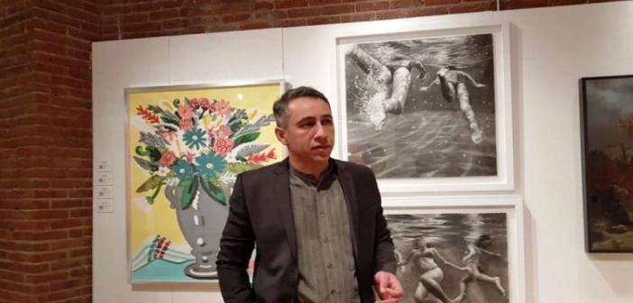 """Ο Καινουργιώτης ζωγράφος Απ. Χαντζαράς """"μάγεψε"""" το κοινό της Νέας Υόρκης (VIDEO)"""