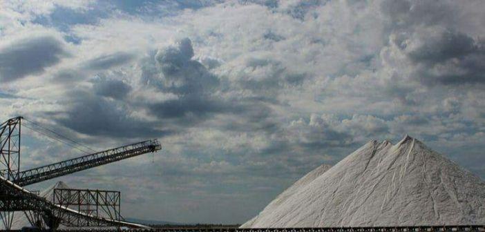 Μεσολόγγι: Άνδρας έκλεψε 650 κιλά αλάτι από τις αλυκές και συνελήφθη
