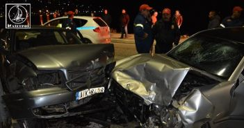 Σφοδρή σύγκρουση αυτοκινήτων στην παραλία της Αμφιλοχίας (ΦΩΤΟ + VIDEO)