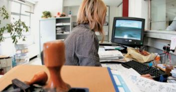 Κορωνοϊός: Τι σημαίνει η δυνατότητα μερικής απασχόλησης εργαζομένων για 6 μήνες