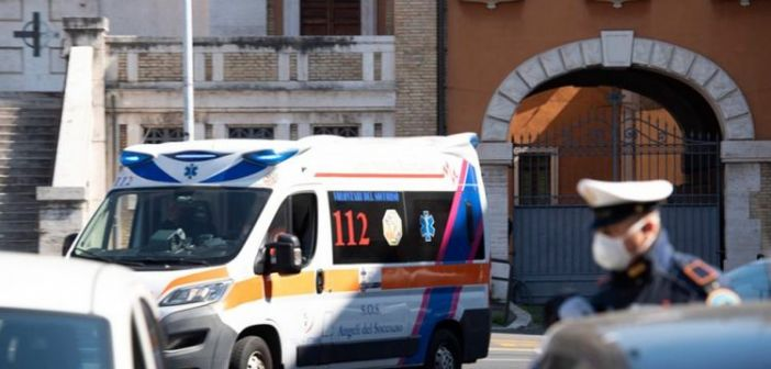 Κορωνοϊός – Ιταλία: Άλλοι 427 νεκροί σε ένα 24ωρο – «Ξεπέρασε» την Κίνα – Πεθαίνουν 18 άνθρωποι την ώρα!