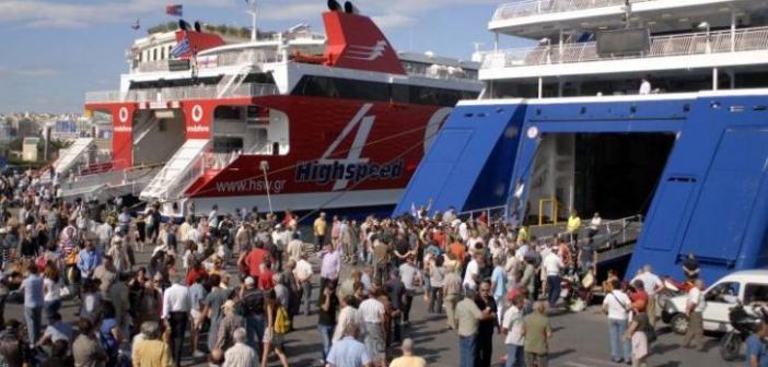 Έκτακτο: Μόνοι οι μόνιμοι κάτοικοι των νησιών θα μπαίνουν στα πλοία