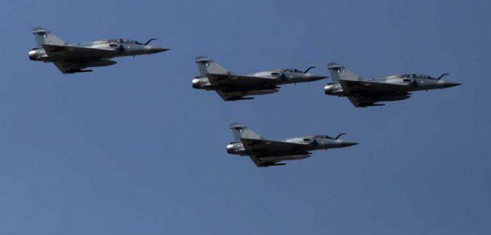 Αγρίνιο: Οι πιλότοι μας έδωσαν φωνή στην βουβή 25η Μαρτίου – Μαχητικά πέταξαν σε κάθε γωνιά της Ελλάδας