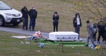 Κορωνοϊός – ΗΠΑ: Οι νεκροί ξεπέρασαν τους 54.000- Άλλες πέντε πολιτείες ετοιμάζονται να άρουν τα μέτρα