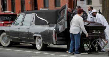 Μανιασμένο το χτύπημα του κορονοϊού στη Νέα Υόρκη: Αρνητικό ρεκόρ θανάτων σε μία μέρα