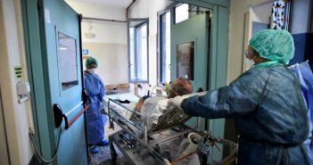 Κορονοϊός: Αυξήθηκαν και πάλι τα κρούσματα και οι νεκροί στην Ιταλία
