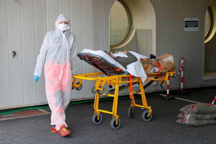 Ιταλία: 636 νεκροί και μεγάλη πτώση στα κρούσματα
