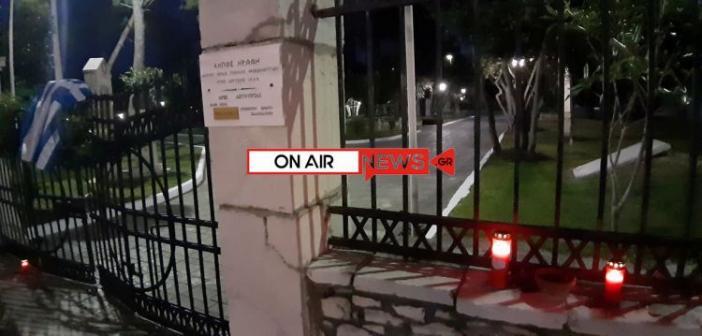 Μεσολόγγι: Κάτοικοι της πόλης τιμούν με σεβασμό και σιωπηλά τους Εξοδίτες (ΦΩΤΟ)
