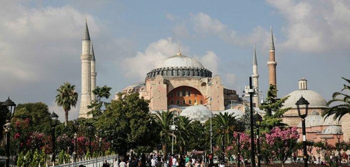 Ακραία πρόκληση Ερντογάν: Μέσα στην Αγία Σοφία θα διαβαστεί η προσευχή για την Άλωση