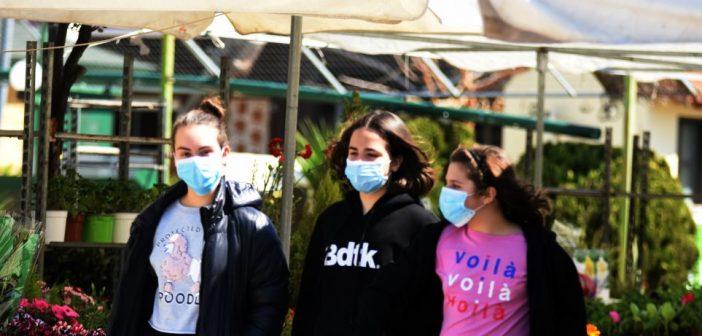 Κορωνοϊός – Τσιόδρας: Ανοιχτό το θέμα της χρήσης μάσκας στα σχολεία