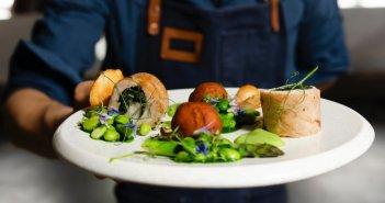 Δημιουργείται ο γαστρονομικός χάρτης της Ελλάδας – «Ταξίδι γεύσεων» για τον επισκέπτη κάθε νομού