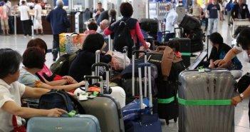 Κομισιόν: Υποχρεωτική η χρήση μάσκας στα αεροπλάνα