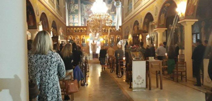 Καινούργιο: Γιορτάστηκε η Ανάσταση και αναβίωσε το Χριστός Ανέστη (ΔΕΙΤΕ ΦΩΤΟ)