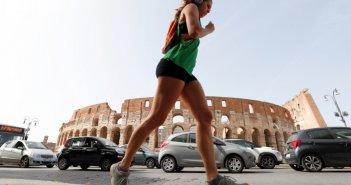 Ιταλία: Επιτέλους μείωση και κρουσμάτων και θυμάτων – Ετοιμασίες για άνοιγμα καταστημάτων τη Δευτέρα