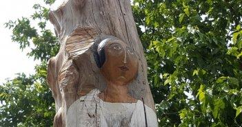 Άγιος Γεώργιος Καλυβίων: Ξύλινα γλυπτά αφιερωμένα στην Άλωση της Πόλης (ΦΩΤΟ)