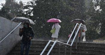 Καιρός αύριο: Ξεχάστε τη σαββατιάτικη βόλτα! Βροχές και καταιγίδες ξανά