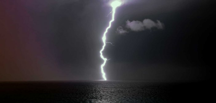 Καιρός αύριο: Έρχονται καταιγίδες – Πέφτει ως και 10 βαθμούς η θερμοκρασία