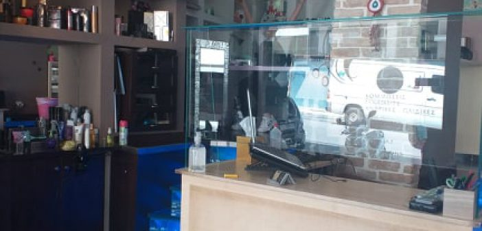 Αγρίνιο – Κομμωτήρια: Πρεμιέρα μετά από πενήντα ημέρες, με αυστηρά μέτρα προστασίας  (ΦΩΤΟ)