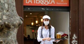 Ισπανία: Η καμπύλη πήρε την κατιούσα – 50 νέοι θάνατοι και 132 κρούσματα τις τελευταίες 24 ώρες