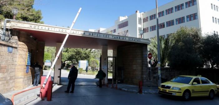 Κορωνοϊός: Κατέληξε 76χρονη στο ΝΙΜΤΣ – Στους 144 οι νεκροί στην Ελλάδα