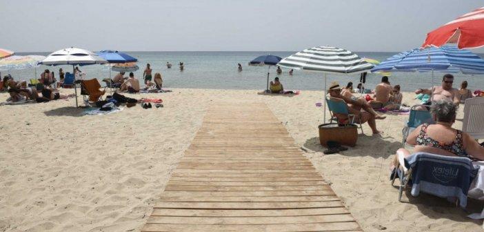 Αρση lockdown: Το πρώτο «ελεύθερο» Σαββατοκύριακο με ανοικτά καφέ, εστιατόρια, μπαρ και οργανωμένες παραλίες