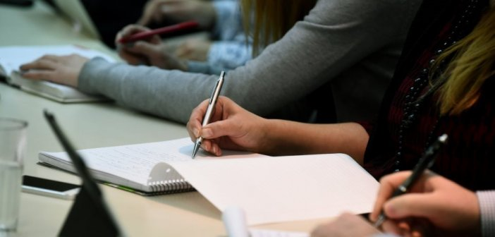 Επίδομα ανεργίας – ΟΑΕΔ: Παρατείνεται κατά δύο μήνες – Τι ισχύει για τους εποχικούς