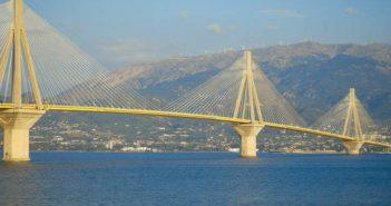 Νταλίκα πήρε φωτιά στη γέφυρα Ρίου – Αντιρρίου