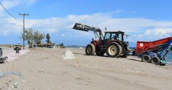 Από ψιλό κόσκινο περνάει η παραλία της Τουρλίδας (ΔΕΙΤΕ ΦΩΤΟ)