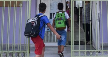 Κεραμέως για σχολεία: Τι θα γίνει με τα παιδιά του ολοήμερου
