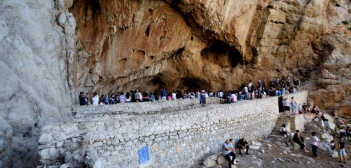 Το σπήλαιο του Αγίου Νικολάου στη Βαράσοβα (ΦΩΤΟ + VIDEO)