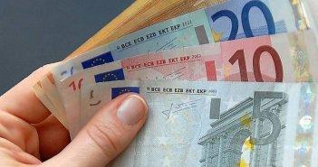 Επίδομα 400 ευρώ: Τελευταία ευκαιρία για τους δικαιούχους – Ποιοι τα δικαιούνται