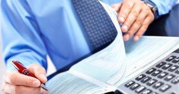 Υπολογίστε πόσο φόρο θα πληρώσετε με τη φετινή φορολογική δήλωση