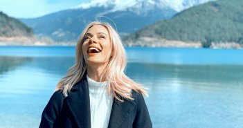 Ζέτα Μακρυπούλια: Ανοιξιάτικη απόδραση στα βουνά με τους φίλους της! (ΦΩΤΟ)
