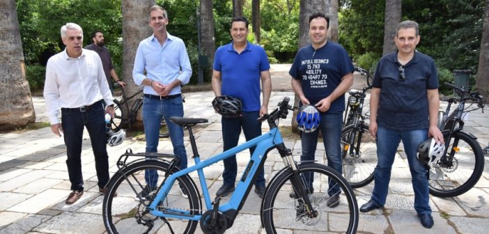 Η ποδηλατοβόλτα του Γ. Παπαναστασίου και των άλλων Δημάρχων στην Αθήνα! (ΔΕΙΤΕ ΦΩΤΟ)