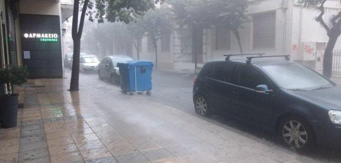 Ισχυρή βροχόπτωση έπληξε την πόλη του Αγρινίου! (ΦΩΤΟ)
