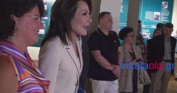 """Η Γιάννα Αγγελοπούλου τραγουδάει """"Στα Τρίκαλα στα δυο στενά"""" (video)"""