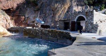 Άνοιξε από σήμερα για τους προσκυνητές το Άγιο Όρος