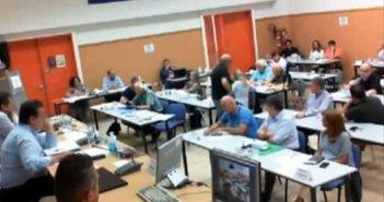 «Μπινελίκια» στο Δημοτικό Συμβούλιο Πάτρας: «Εδώ δεν λέμε μ@λ@κ@ς, αλλά μινάρας» (video)