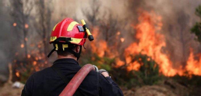 Μεγάλη κινητοποίηση της Πυροσβεστικής για φωτιά στα Πηγάδια Ξηρομέρου και στη Γουριά