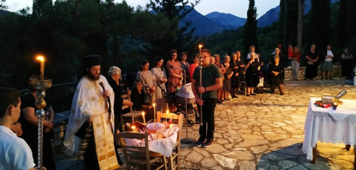 Πραγματοποιήθηκε η καθιερωμένη ιερά Αγρυπνία για την εορτή της Παναγίας της Οδηγήτριας στο Βασιλόπουλο (ΦΩΤΟ)