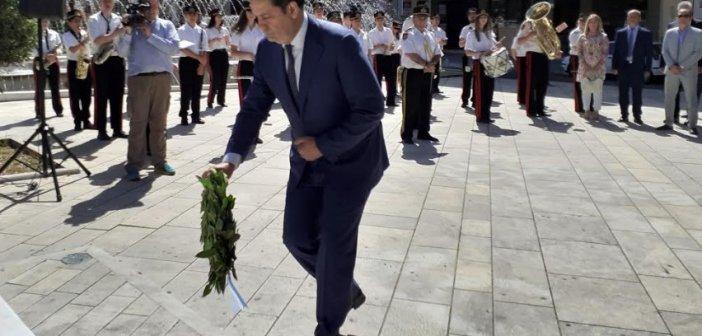 Κατάθεση στεφάνων για την επέτειο απελευθέρωσης του Αγρινίου από τους Τούρκους (ΔΕΙΤΕ ΦΩΤΟ)