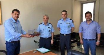 Συνάντηση Δημάρχου Αμφιλοχίας με εκπροσώπους των αστυνομικών αρχών (ΦΩΤΟ)