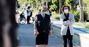 Κορωνοϊός – ΠΟΥ: Οι πολίτες να φορούν μάσκα σε δημόσιους χώρους