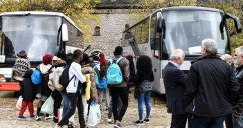 100 ακόμη μετανάστες μεταφέρθηκαν σήμερα στο Μεσολόγγι (ΦΩΤΟ)