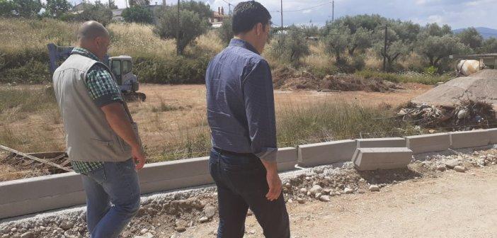 Δήμος Αγρινίου: Κατασκευή οδών και δικτύων υποδομών ύψους 965.000 ευρώ – Αυτοψία Παπαναστασίου (ΦΩΤΟ)