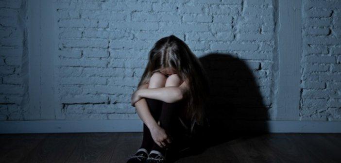 Λαμία: Η 13χρονη μαθήτρια αποφάσισε να μιλήσει στον πατέρα της! Σάλος από τα λόγια που του είπε